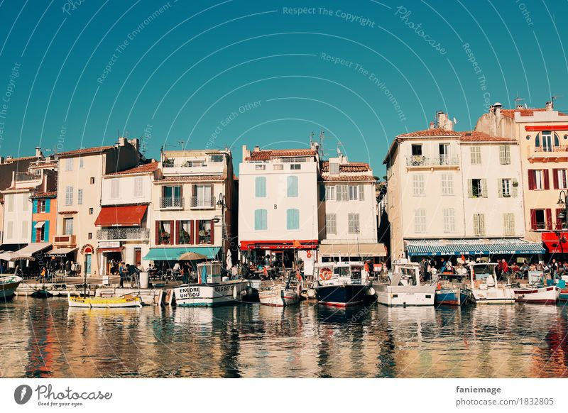 Port of Cassis Landscape Beautiful weather Village Fishing village Small Town Port City Downtown Old town House (Residential Structure) Southern France