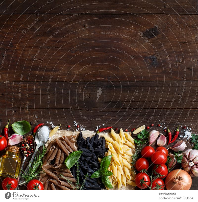 Penne pasta with vegetables, herbs and olive oil Green Red Leaf Dark Healthy Food Brown Nutrition Fresh Table Herbs and spices Vegetable Tradition Baked goods Bottle Meal
