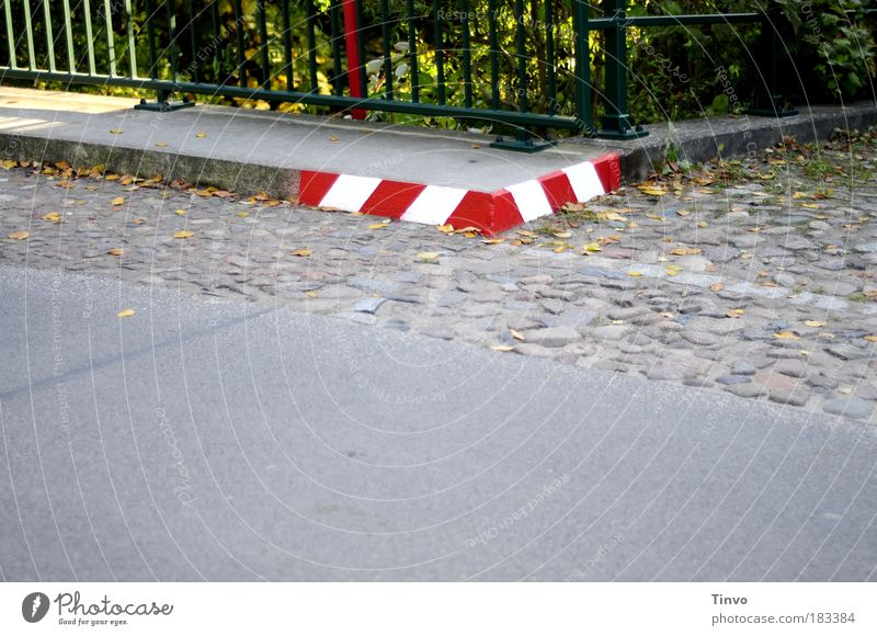 White Red Street Lanes & trails Transport Concrete Signage Corner Handrail Sidewalk Warning label Traffic infrastructure Cobblestones Curve Motoring Pedestrian