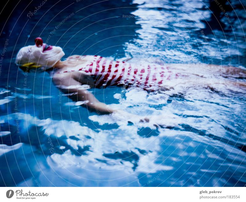 Jojo in swimmingpool Water Blue Red Face Life Head Protection Think Waves Swimming & Bathing Wait Skin Mouth Nose Drops of water Polaroid