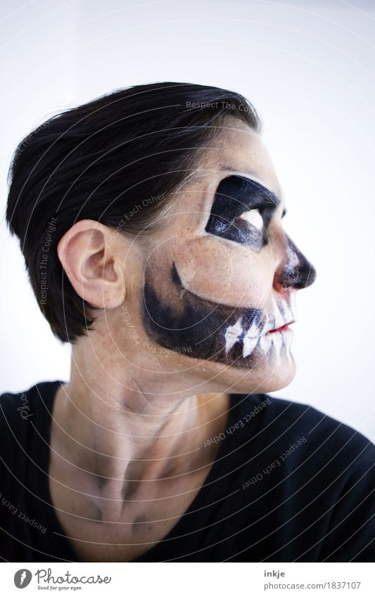Time heals all wounds ;-) Leisure and hobbies Carnival Hallowe'en Woman Adults Life Face 1 Human being Death's head Stage make-up Mask Creepy Wearing makeup