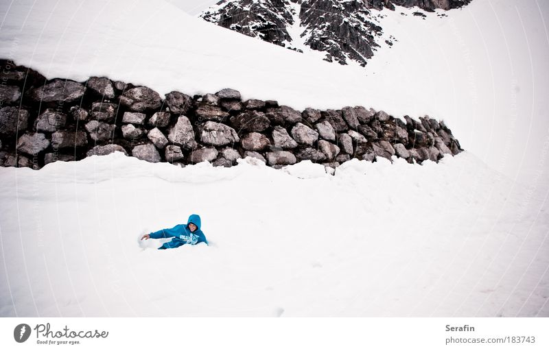 snow-bouncing Colour photo Multicoloured Exterior shot Copy Space right Copy Space bottom Day Contrast Deep depth of field Long shot Style Design Playing