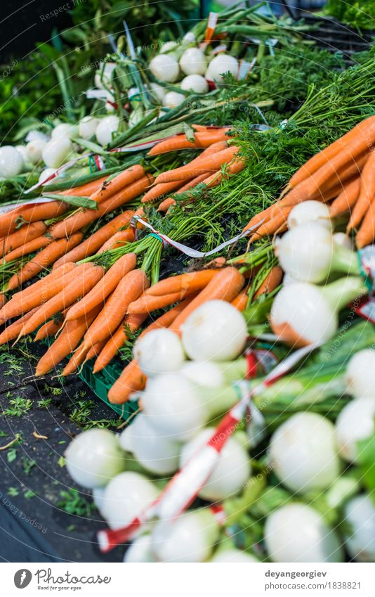 Carrots and onions Green White Red Natural Group Nutrition Fresh Stand Shopping Vegetable Storage Vegetarian diet Diet Vitamin Raw