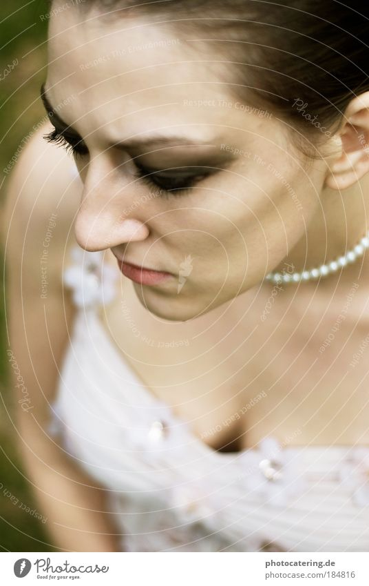 chain Colour photo Exterior shot Day Bird's-eye view Portrait photograph Downward Night life Fashion Dress Jewellery Brunette Short-haired Breathe To hold on