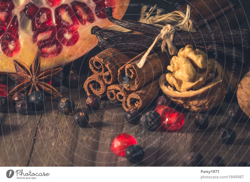 Christmas & Advent Red Food Feasts & Celebrations Brown Moody Fruit Nutrition Sweet Herbs and spices Delicious Fragrance Berries Still Life Anticipation