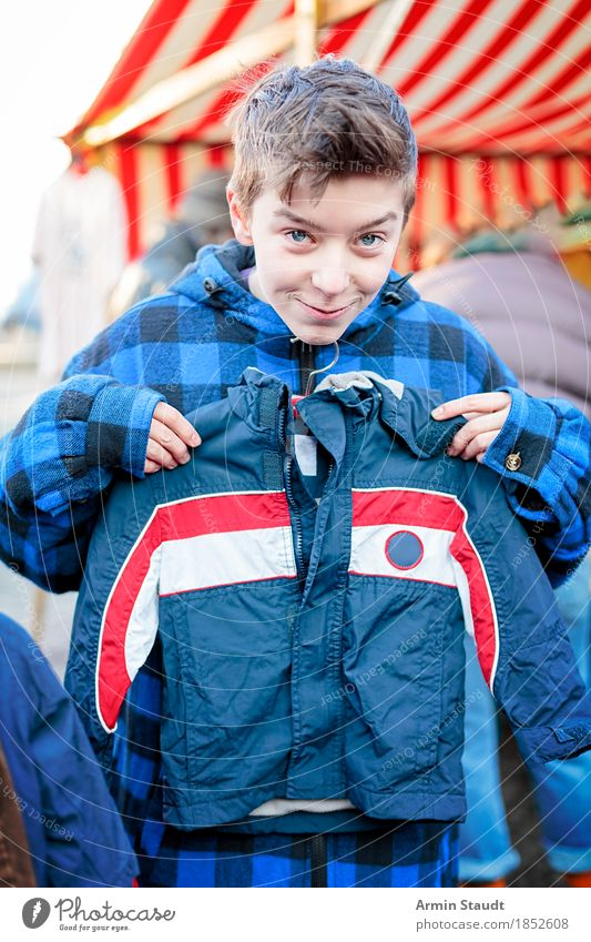 grown out Lifestyle Shopping Style Design Joy Winter Human being Masculine Child Youth (Young adults) Hand 1 13 - 18 years Fashion Clothing Flea market