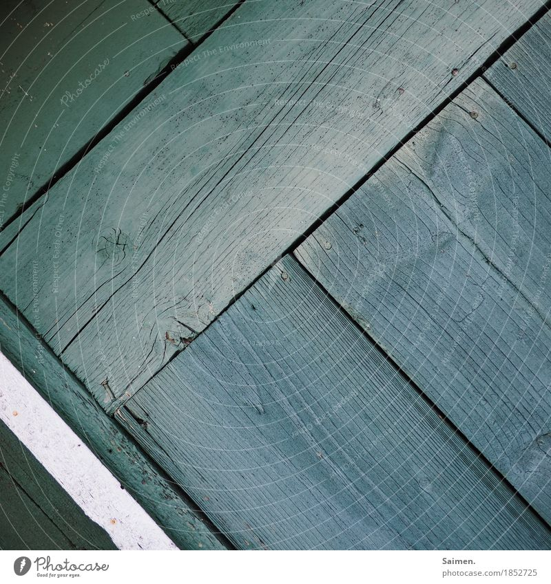 obliquely lined Wood Old Line Wood grain Green Stripe Wooden board Column Canceled Nail Wall (building) Change Structures and shapes Colour photo Subdued colour