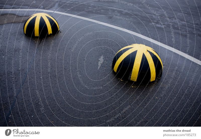 Yellow Street Cold Lanes & trails Stone 2 Wet Transport Gloomy Stripe Round Asphalt Sign Curve Motionless Crossroads