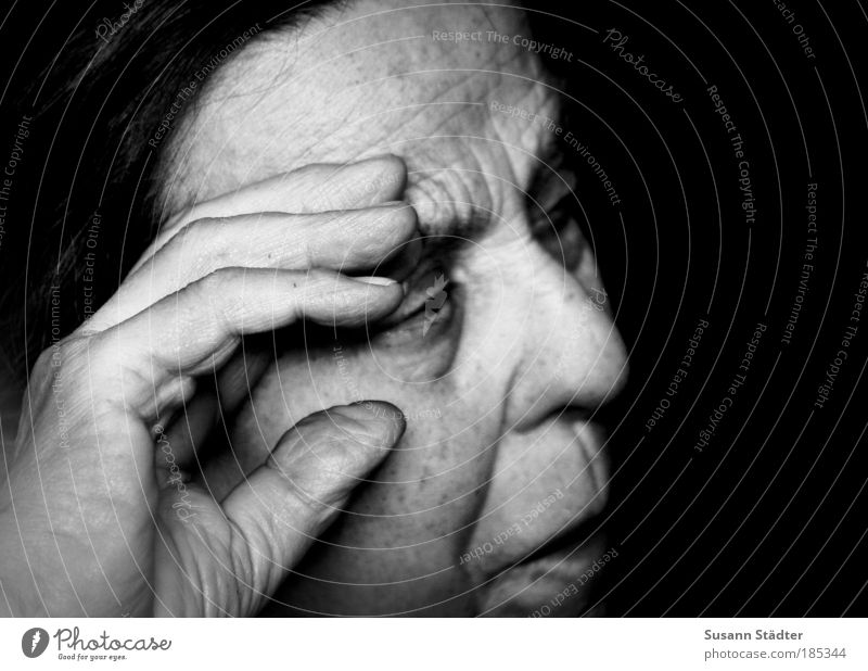 Woman Old Hand Loneliness Face Eyes Human being Senior citizen Head Hair and hairstyles Sadness Power Exceptional Fingers Observe Wrinkles