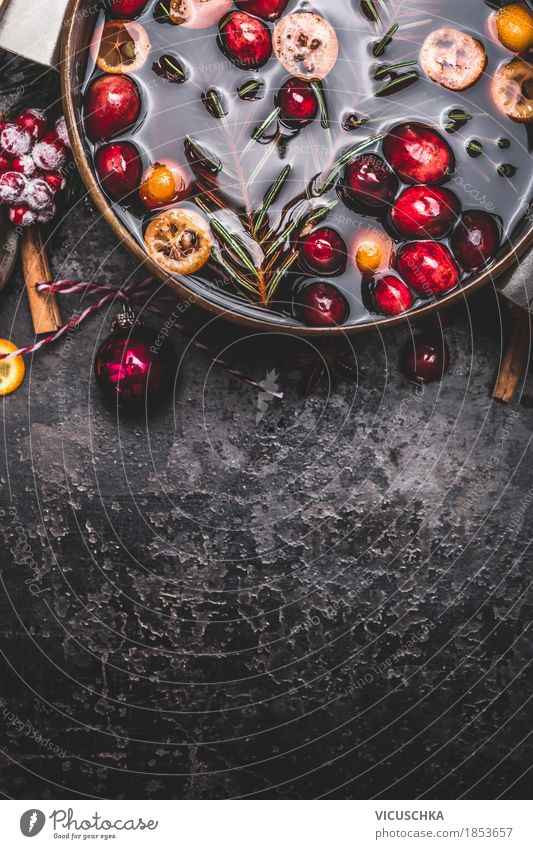 Christmas & Advent Joy Dark Style Food Feasts & Celebrations Moody Design Fruit Herbs and spices Beverage Fragrance Tradition Crockery Berries Anticipation