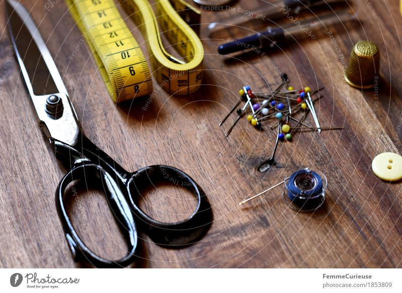 Sewing_1853809 Fashion Creativity Buttons Scissors Thimble Pin Arranged Still Life Tailoring Measure Design Dry goods Make Wooden table Sewing needle
