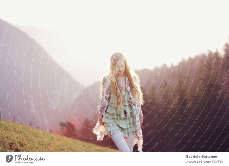 Nature Relaxation Feminine Landscape Movement Hair and hairstyles Moody Blonde Going Fashion Free Peace Infinity Violet Idyll Long-haired