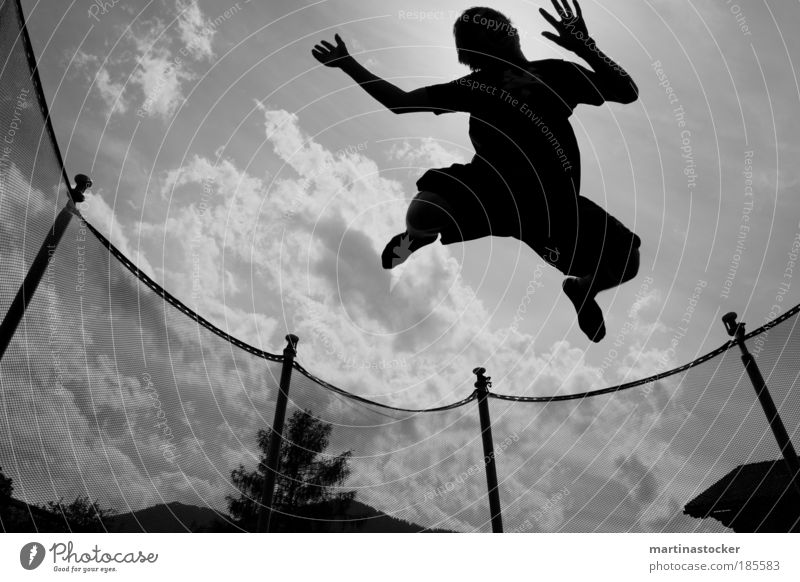 Trampoline jump2 Joy Leisure and hobbies Hitchhike Summer Sports Fitness Sports Training Sportsperson Young man Youth (Young adults) 1 Human being Air Sky