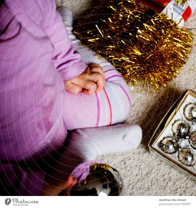 CHRISTMAS BALL VS. BALL Playing Flat (apartment) Decoration Feasts & Celebrations Human being Baby Toddler 1 - 3 years Tights Glass Discover Kneel Curiosity