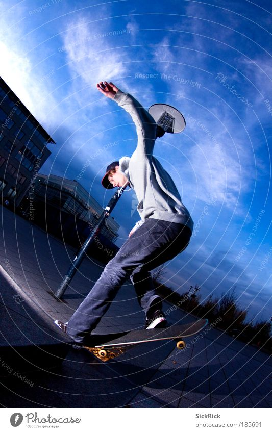 Dancing on the board Leisure and hobbies Skateboard Skateboarding Skateboard clothing Sports Funsport Masculine Youth (Young adults) 1 Human being Driving Grind