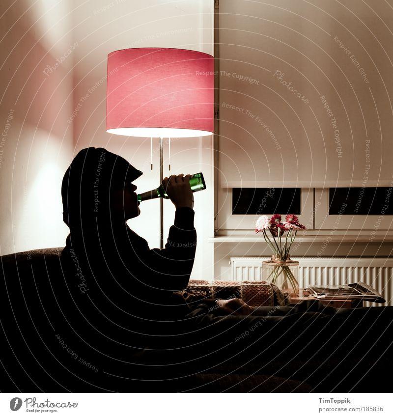 Bavaria vs. Haifa 1. half time Masculine Watching TV Drinking Looking Lamp Living room Beer Alcoholic drinks Alcoholism Standard lamp Living or residing