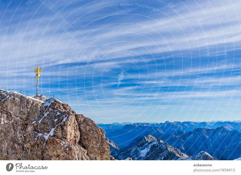 Sky Nature Landscape Loneliness Calm Joy Mountain Contentment Beautiful weather Peak Snowcapped peak Alps Serene Enthusiasm Glacier Attentive