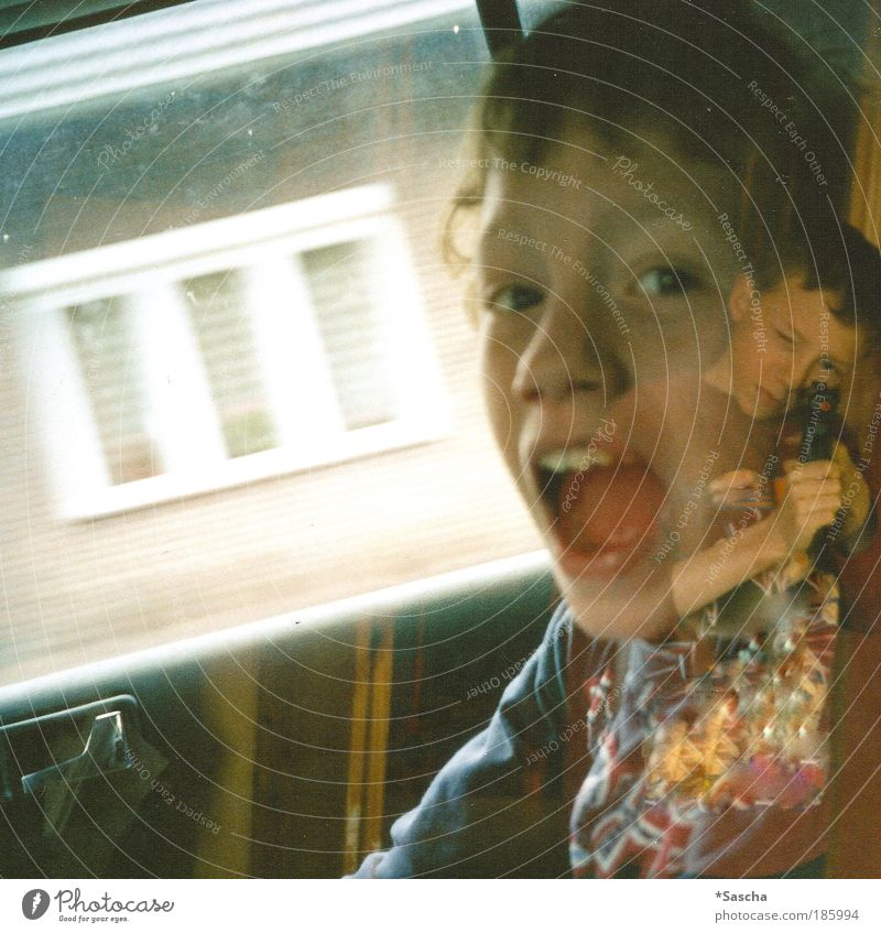 Happy birthday, Photocase! Human being Masculine Boy (child) Brothers and sisters Infancy 2 Scream Playing Fear of death Colour photo Interior shot Experimental