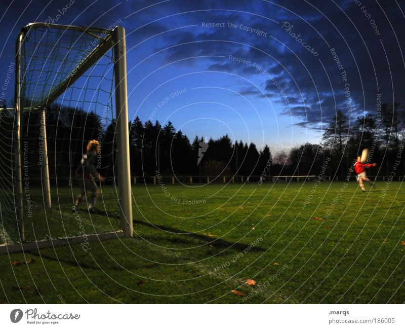 flank Leisure and hobbies Sports Sportsperson Goalkeeper Sporting event Success Soccer Sporting Complex Football pitch Masculine Boy (child) 2 Human being Stand