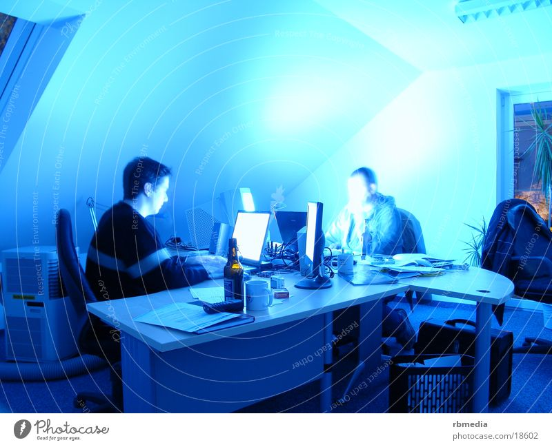 Blue Office Business Computer Work and employment Alcoholic drinks Beer Screen Information Technology Shift work Washed out