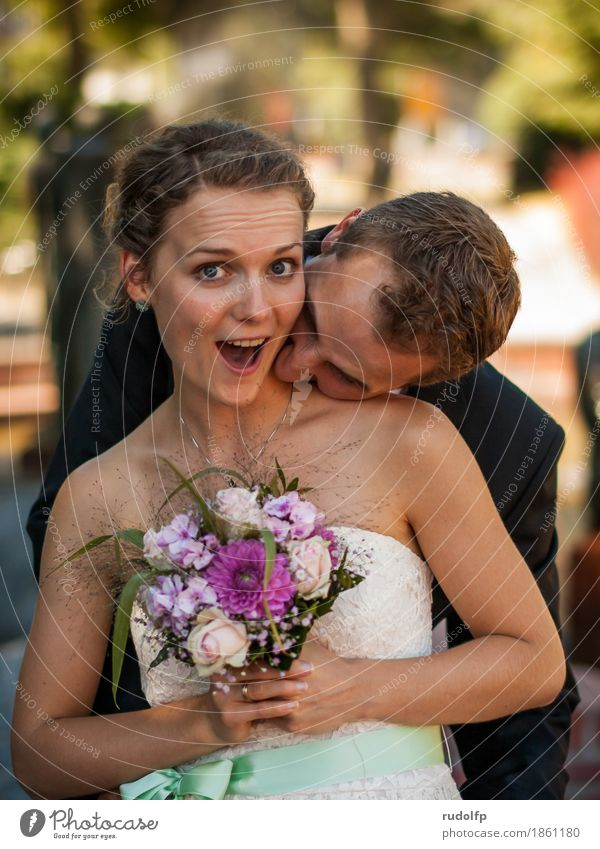 just married Joy Happy Wedding Human being Masculine Feminine Young woman Youth (Young adults) Young man Couple Partner 2 18 - 30 years Adults Dress Bouquet