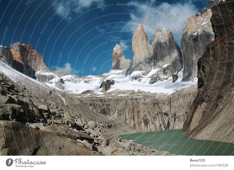 Patagonia02 Environment Nature Landscape Water Sky Clouds Summer Beautiful weather Rock Peak Snowcapped peak Lakeside Blue Brown Gray Enthusiasm Brave Truth