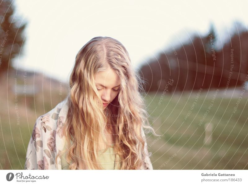 DREAM LOUDER Feminine Head Hair and hairstyles Face Landscape Hill Scarf Blonde Long-haired Beautiful Emotions Dream Longing Movement Identity Stagnating Moody