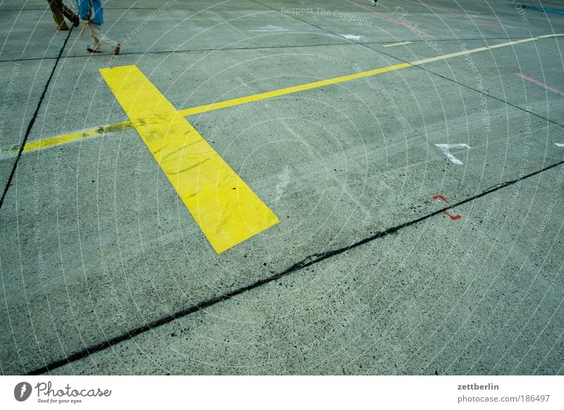 Human being Colour Couple Feet Line Legs 2 Walking Signs and labeling Concrete Running sports In pairs Stripe Escape Geometry