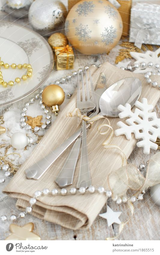 Silver and golden Christmas Table Setting Exceptional Gray Gold Seasons Plate Knives Snowflake Festive Cutlery Glitter Fork Guest Paper chain