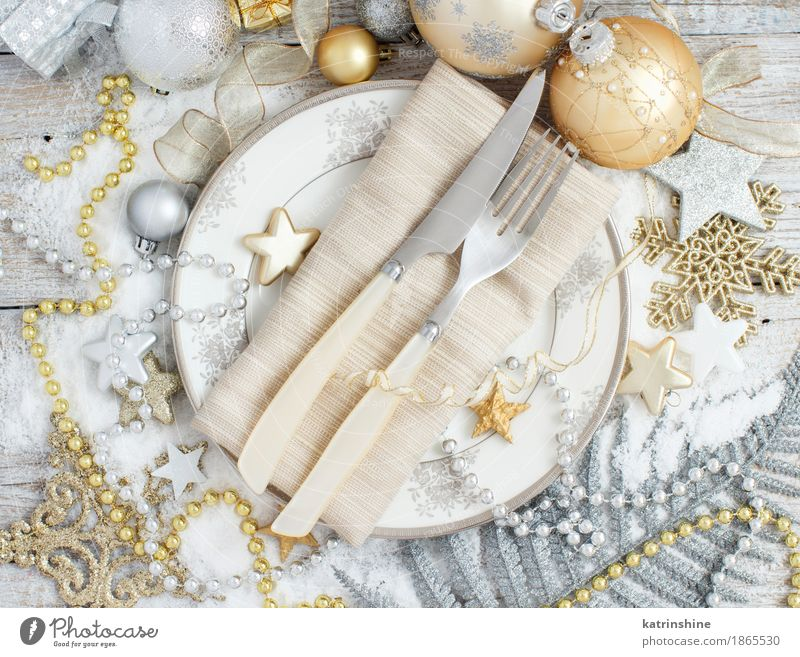 Silver and golden Christmas Table Setting Gray Decoration Gold Seasons Plate Knives Snowflake Festive Cutlery Glitter Fork Guest Paper chain