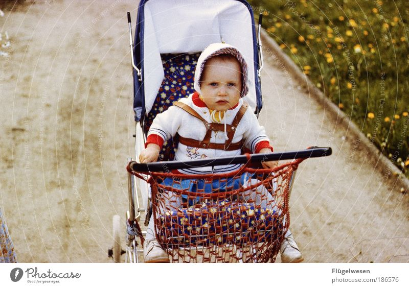 baby carriage race Lifestyle Leisure and hobbies Playing Parenting Toddler Girl 1 Human being Old Joie de vivre (Vitality) Anticipation Joy Infancy