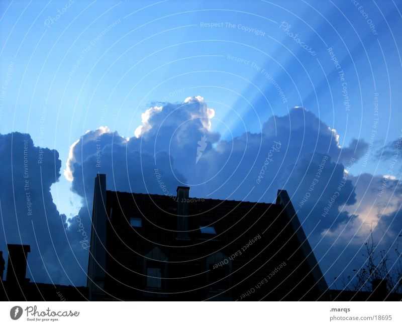 It clouds Twilight Light Sunbeam Clouds Lighting House (Residential Structure) Summer Shadow Silhouette Sky Evening