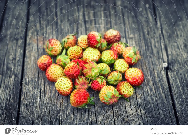 Bunch of red wild strawberry Food Fruit Dessert Nutrition Breakfast Organic produce Vegetarian diet Diet Summer Garden Nature Leaf Wood Old Fresh Delicious