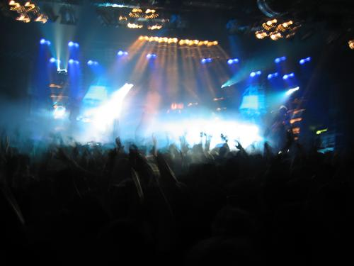 concert impressions Concert Crowd of people Pogo Stage Disco Moody Light Light show Disc jockey Fan Loud Group Music Human being String Warehouse Boil Scream