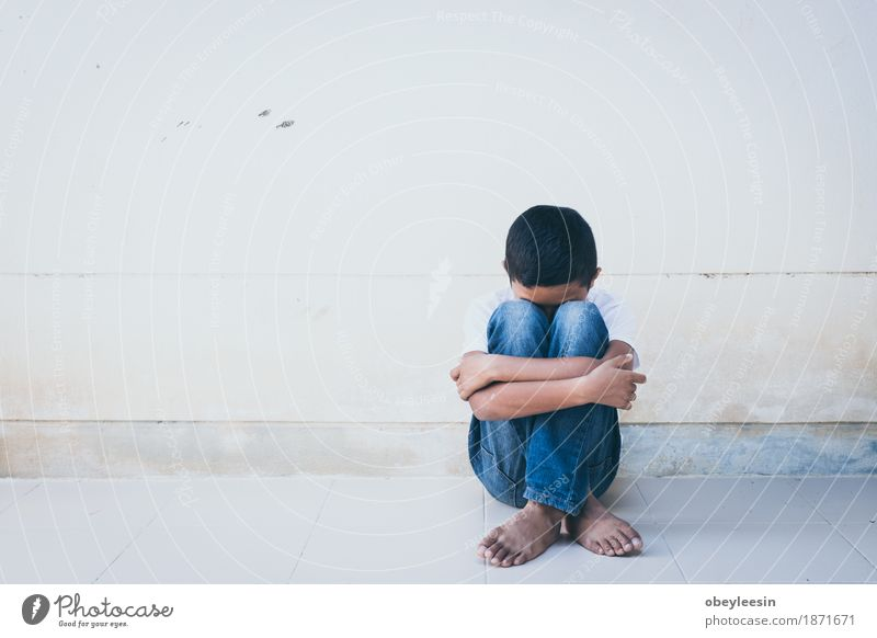 Alone and scared Lifestyle Style Human being 8 - 13 years Child Infancy Art Artist Fear Fear of death Fear of heights Fear of flying Colour photo Multicoloured