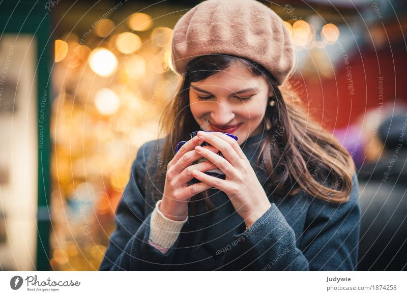 Woman Youth (Young adults) Christmas & Advent Young woman Winter 18 - 30 years Adults Warmth Yellow Feminine Healthy Contentment Drinking Delicious To hold on Kitsch