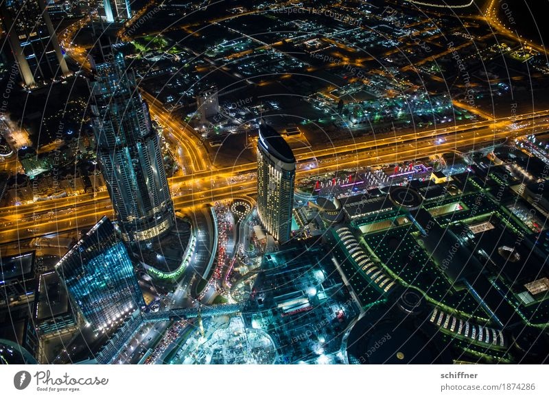 Town Building Exceptional Lamp Transport High-rise Tower Construction site Manmade structures Skyline Capital city Downtown Traffic infrastructure Gigantic