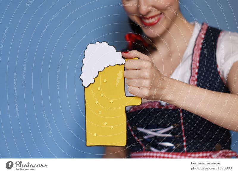 Human being Woman Youth (Young adults) Young woman Joy 18 - 30 years Adults Feminine Beer Munich Bavaria Oktoberfest Toast 30 - 45 years Traditional costume