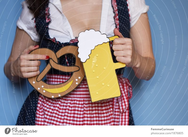 O'zapft is! (01) Feminine Young woman Youth (Young adults) Woman Adults 18 - 30 years 30 - 45 years Joy Oktoberfest October Bavaria Munich Traditional costume