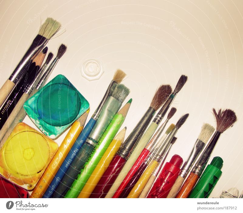 artistic disorder Handcrafts Decoration Art Artist Painter Draw Dye Paintbrush Pen Creativity Intuition Colour photo Multicoloured Interior shot Close-up