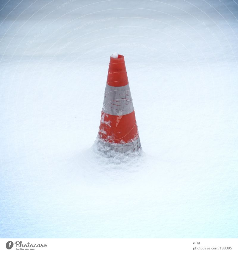 White Red Winter Cold Snow Road traffic Threat Barrier Striped Road sign Traffic cone Get caught on Black ice