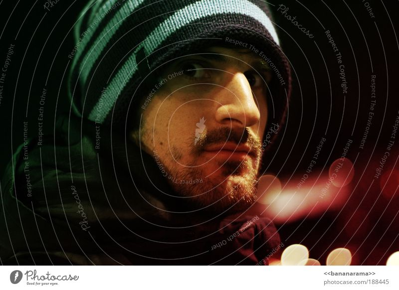 Human being Man Youth (Young adults) Adults Face Eyes Colour Hair and hairstyles Fear Masculine Nose Threat Portrait photograph 18 - 30 years Jacket Cap