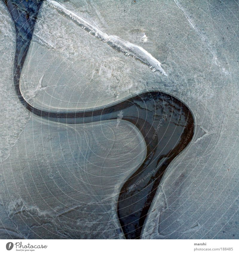 Nature Water White Winter Cold Lanes & trails Lake Ice Weather Frost River Structures and shapes Colour Climate Curve Pond