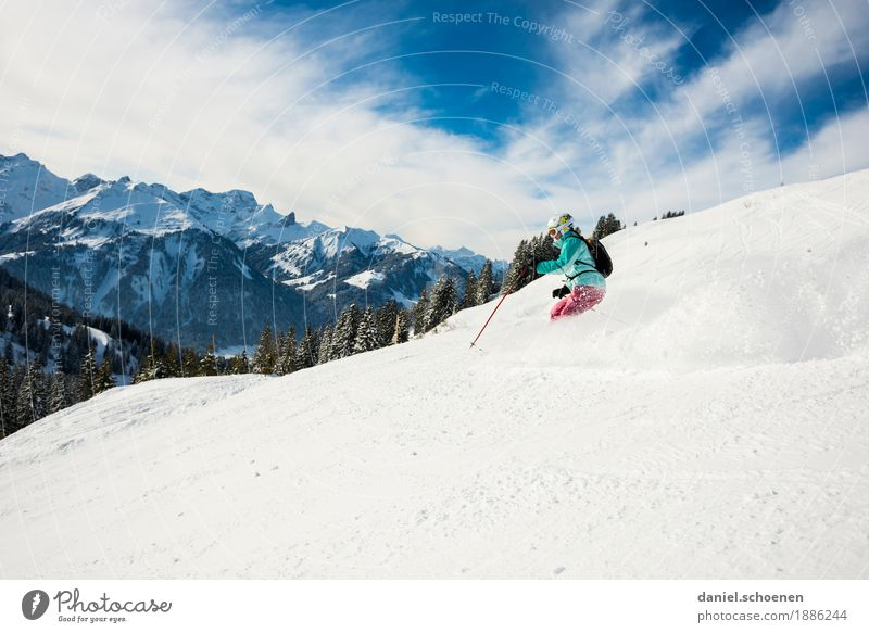 Anticipation 3 Leisure and hobbies Vacation & Travel Winter Snow Winter vacation Mountain Winter sports Skiing Human being Young woman Youth (Young adults) 1