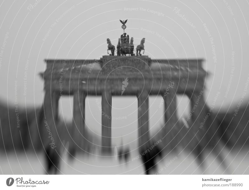 Human being Black Berlin Architecture Gray Stone Group Manmade structures Perspective Gate Landmark Downtown Downtown Berlin Tourist Attraction Capital city