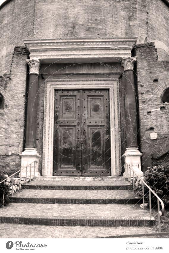 Building Door Europe Stairs Gate Römerberg Roman era
