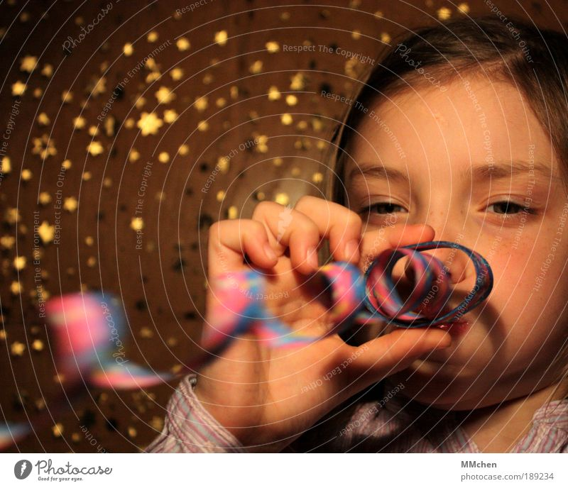 pffffft Joy Leisure and hobbies Playing Night life Entertainment Feasts & Celebrations Carnival Birthday Child Face 1 Human being 3 - 8 years Infancy Event
