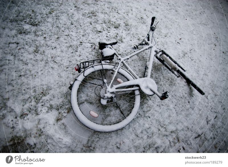 Old Winter Loneliness Cold Snow Gray Bicycle Ice Lie Gloomy Frost Tire Stagnating Pedal Apocalyptic sentiment Bicycle handlebars