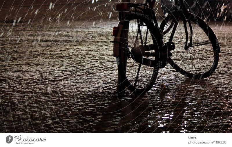 Winter Black Street Cold Snowfall Dance Bicycle Wet Frost Stand Wheel Freeze Parking Bicycle frame Lean