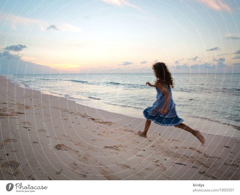 Human being Child Vacation & Travel Ocean Girl Beach Life Natural Movement Coast Feminine Horizon Free Fear Infancy Speed
